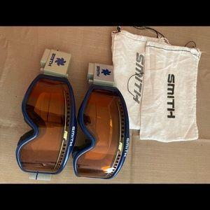 Smith snow goggles including attachments